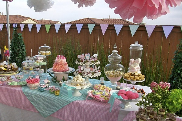 Foods And Dishes For Outdoor Weddings